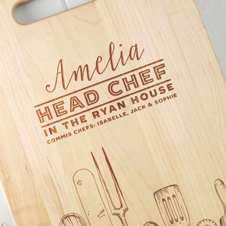Personalised Gift for Her Chopping board Close up